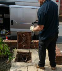 Drain excavation in Strood